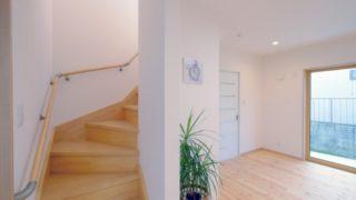 注文住宅の階段
